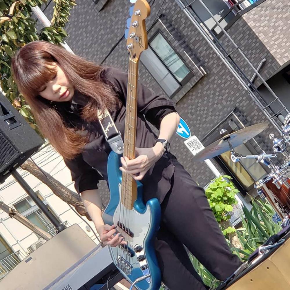 bassist hiroko