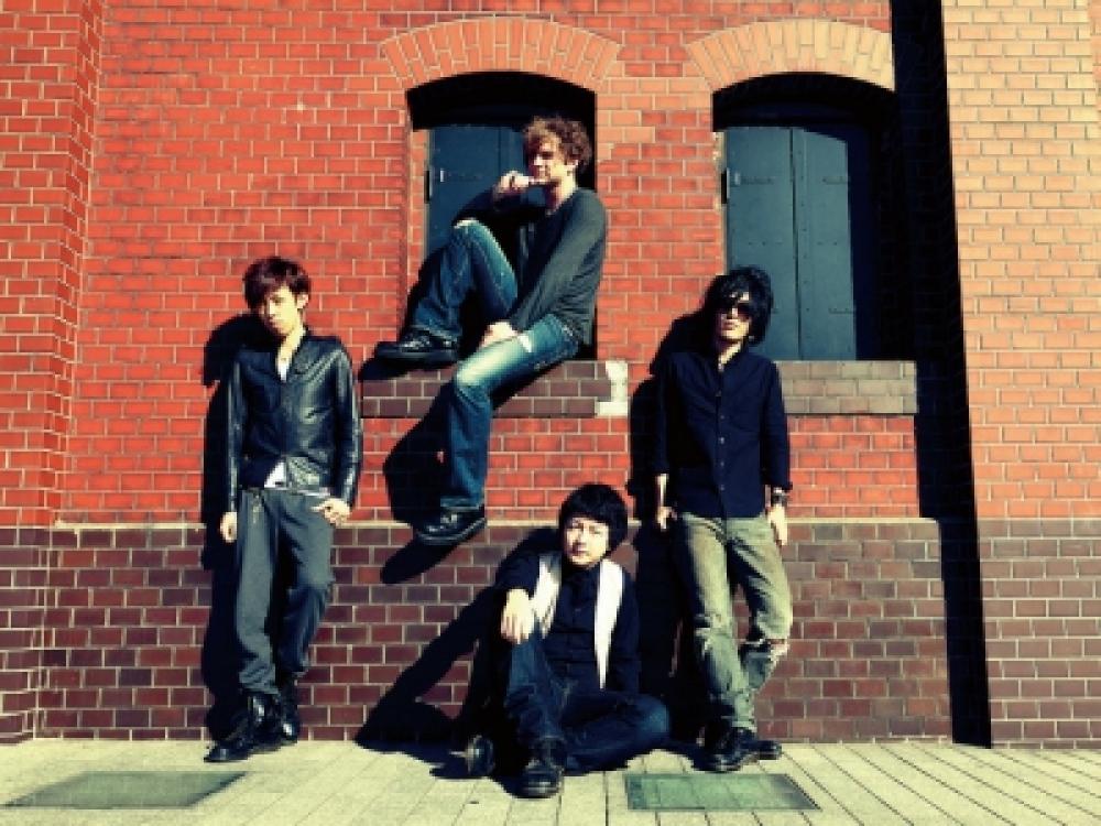 ANGRY PENGUIN ROBO 【2012.4.25 NEW ALBUM Release】